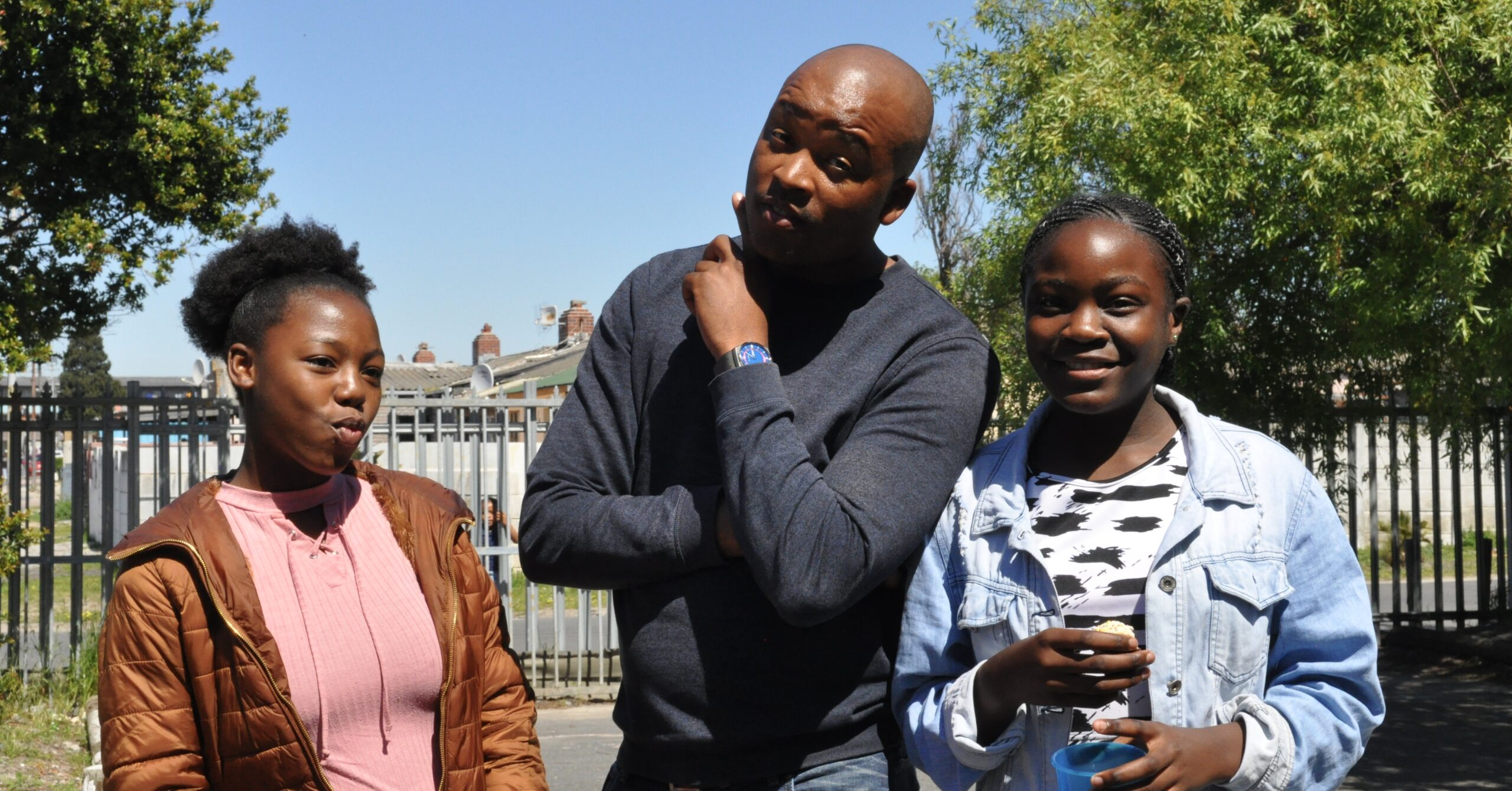 Siviwe with Enersh (left) and Ingrid (right).