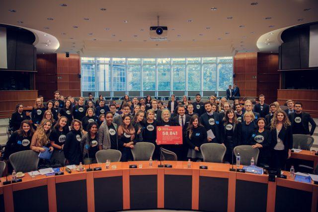 Wat deden de ONE Jeugdambassadeurs in het Europees Parlement?