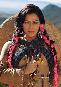 LILA DOWNS - Balas y chocolate