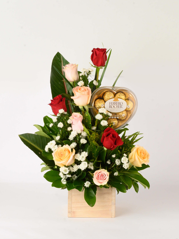 Sonrisas - arreglo de rosas con chocolate