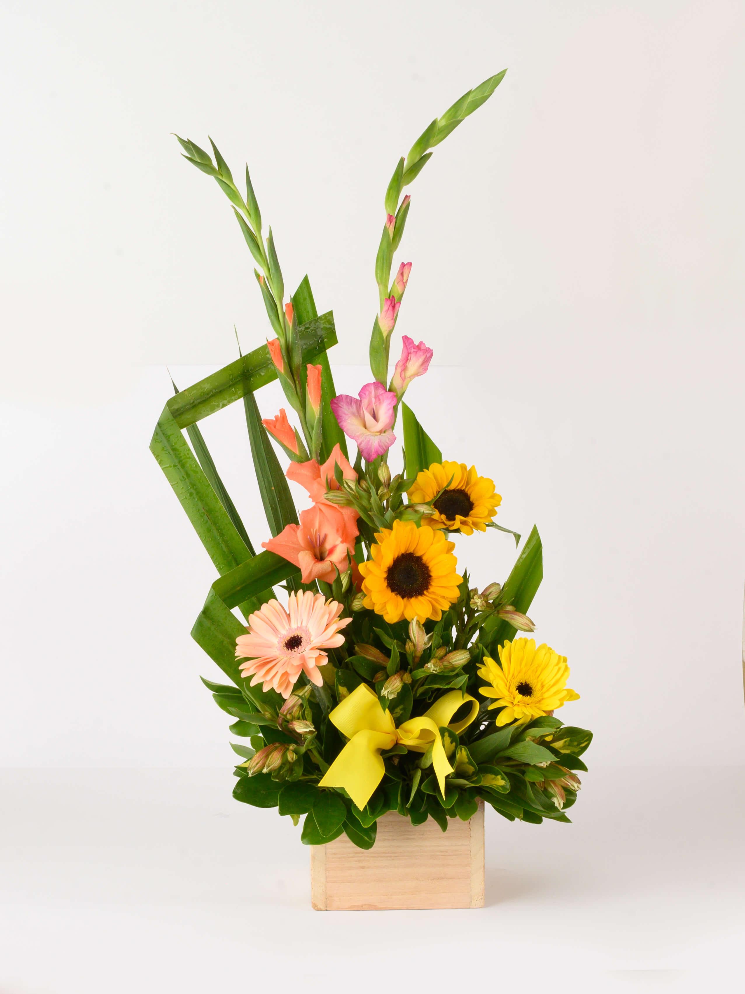Arreglo de flores y girasoles Primavera