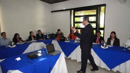 Presentación Lic. Jorge Porras, especialista en Fideicomiso