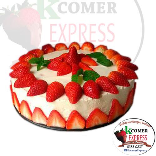 Torta de Vainilla cubierta de fresa