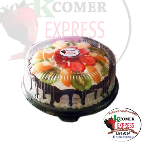 Torta de vainilla - cubierta con fruta