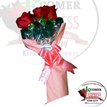 Bouquet con Fresas y Rosa