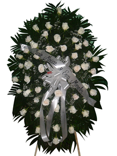 Corona de rosas blancas