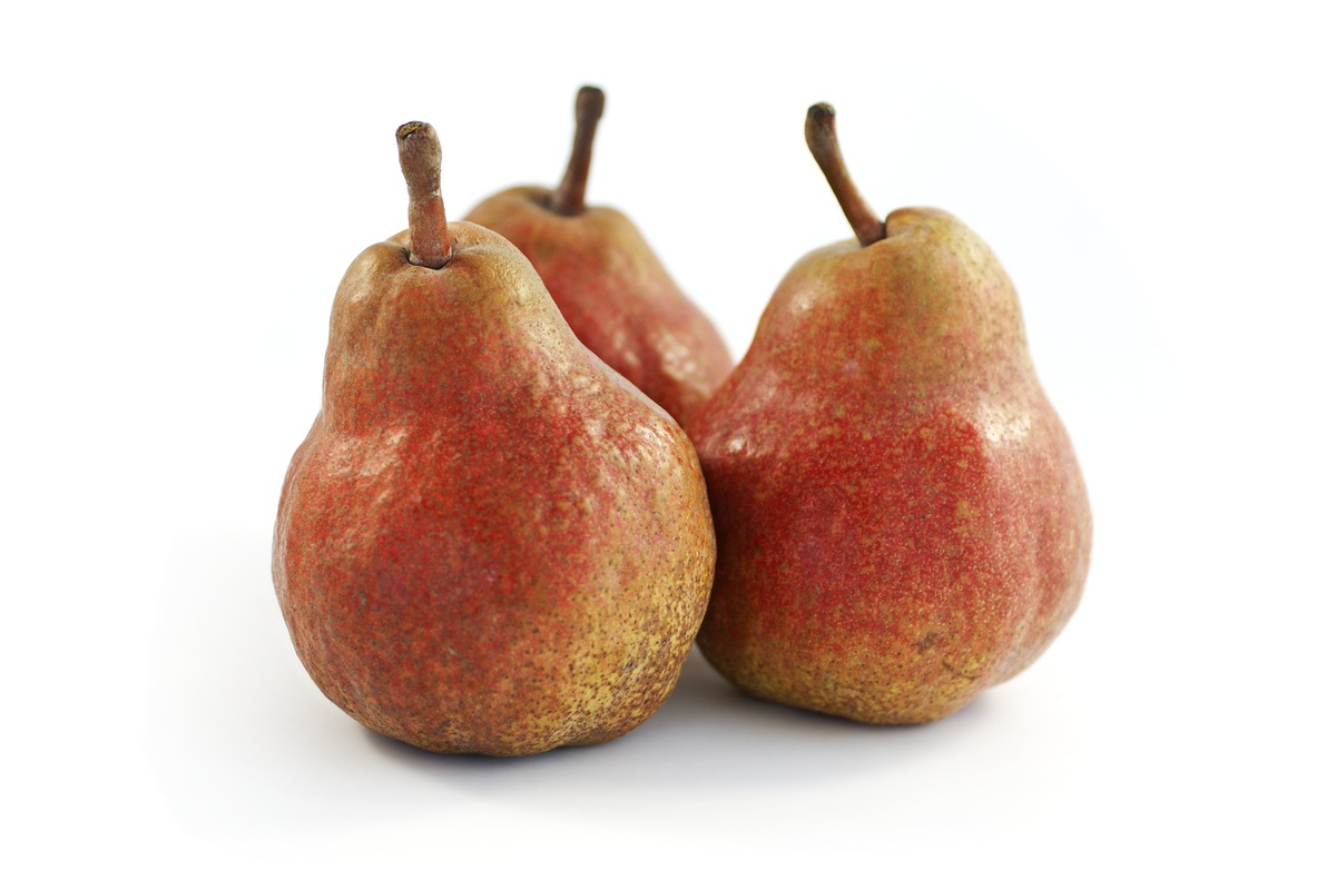 Red Bartlett pear