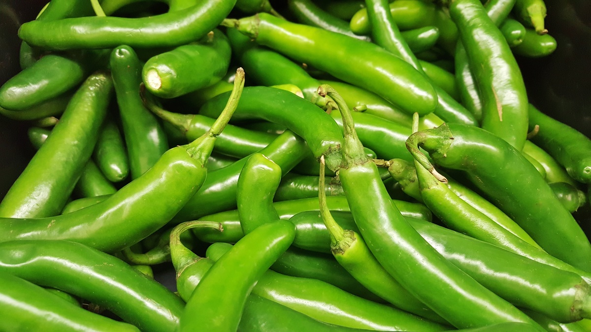 green serrano pepper