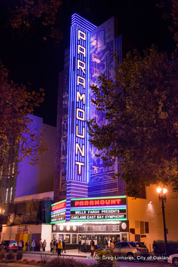 141107 0509 paramount theatre at night l small