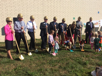 Sept 2015 ymca groundbreaking 5 small