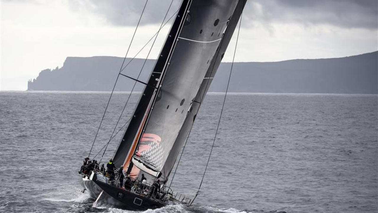 Comanche approaching the finish in Hobart.