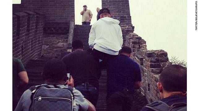 131002101428-justin-bieber-great-wall-of-china-story-top
