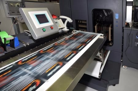 Many Customers Assume All Modern Printing Uses Digital Technology While The Process Has Revolutionized Print Industry It Hasnt Taken Over