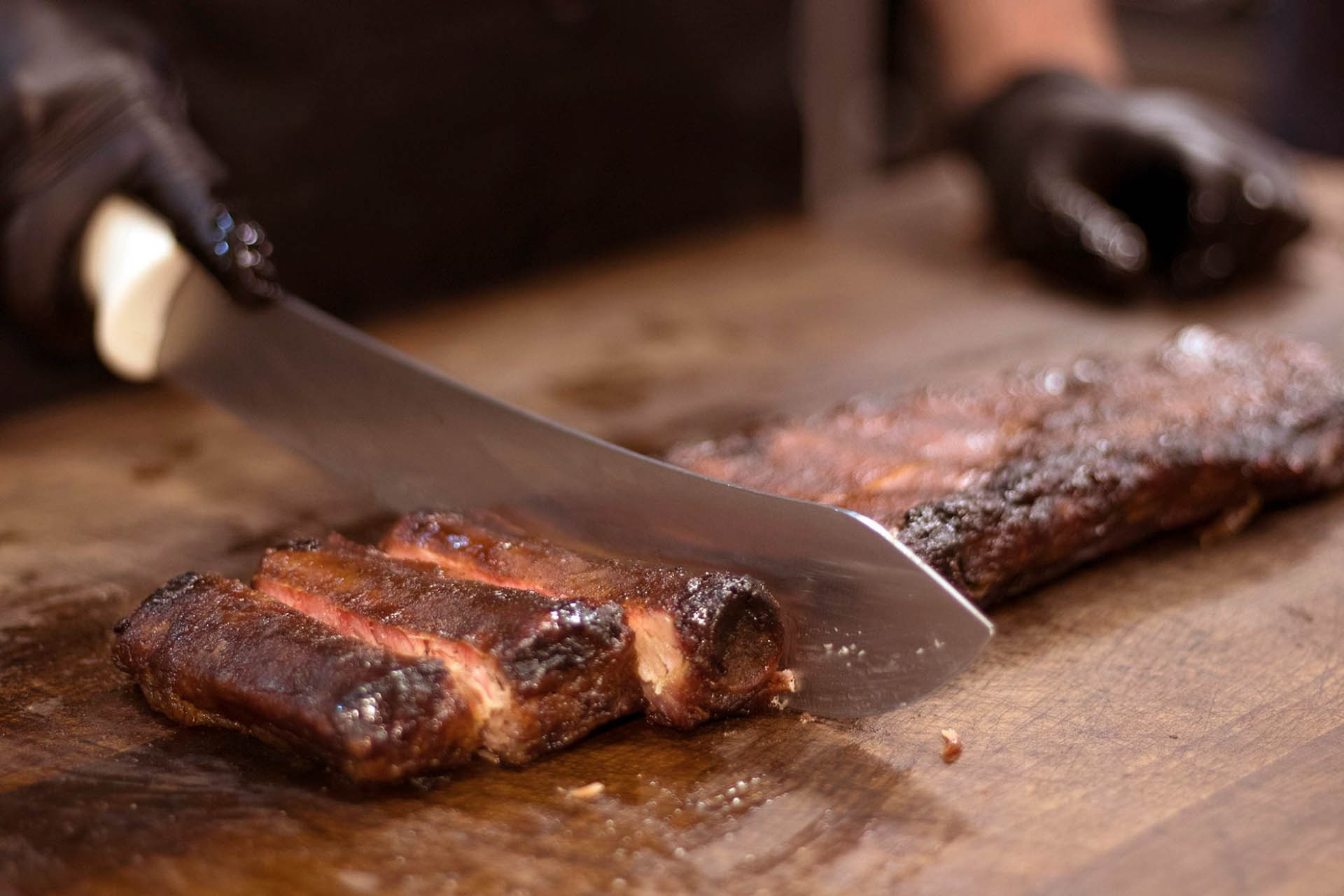 Dickey's Barbecue Pit Serves Up Pit-Smoked Barbecue to Rock Island