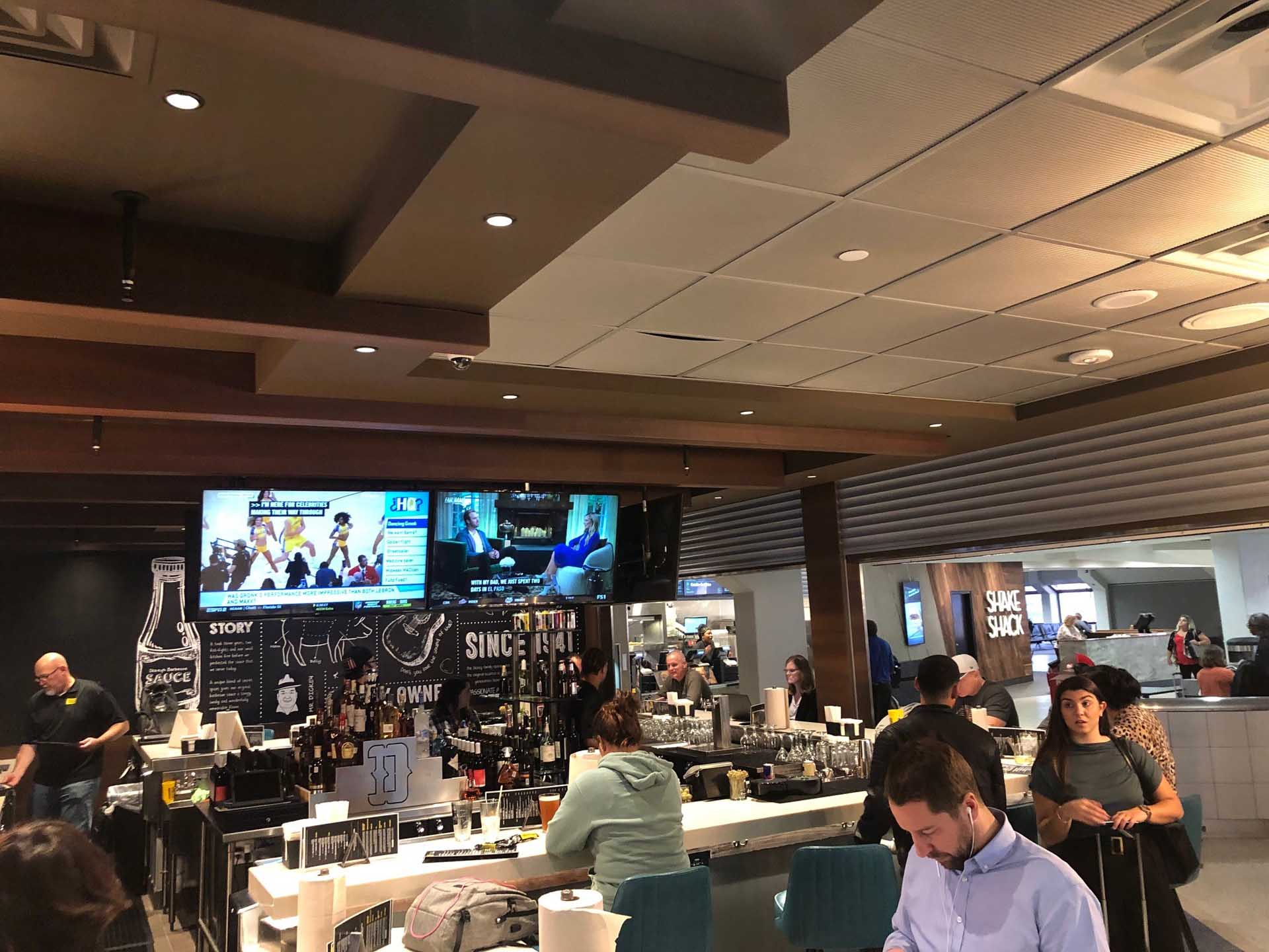 Franchising.com: Dickey's Barbecue Pit Lands at DFW Airport with a Full Bar