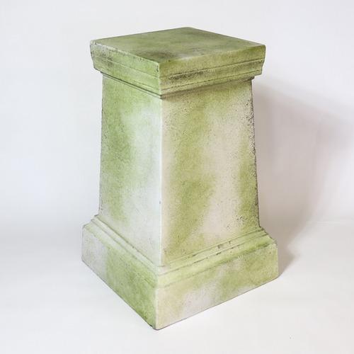Andrea Pedestal