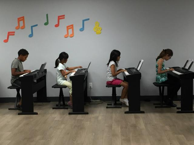 Group Intro Piano Class