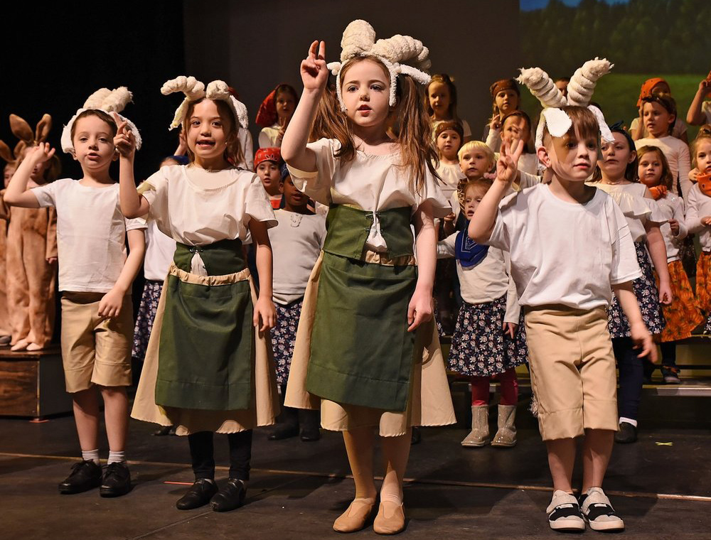 musical theater students singing