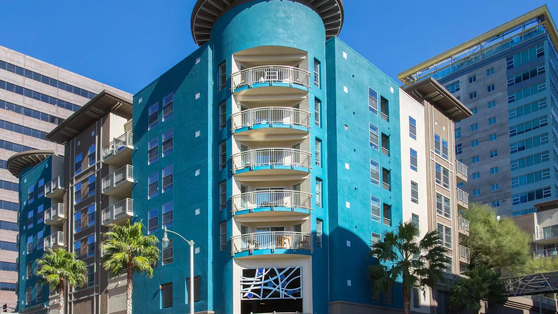 Glo Apartments - Los Angeles, CA