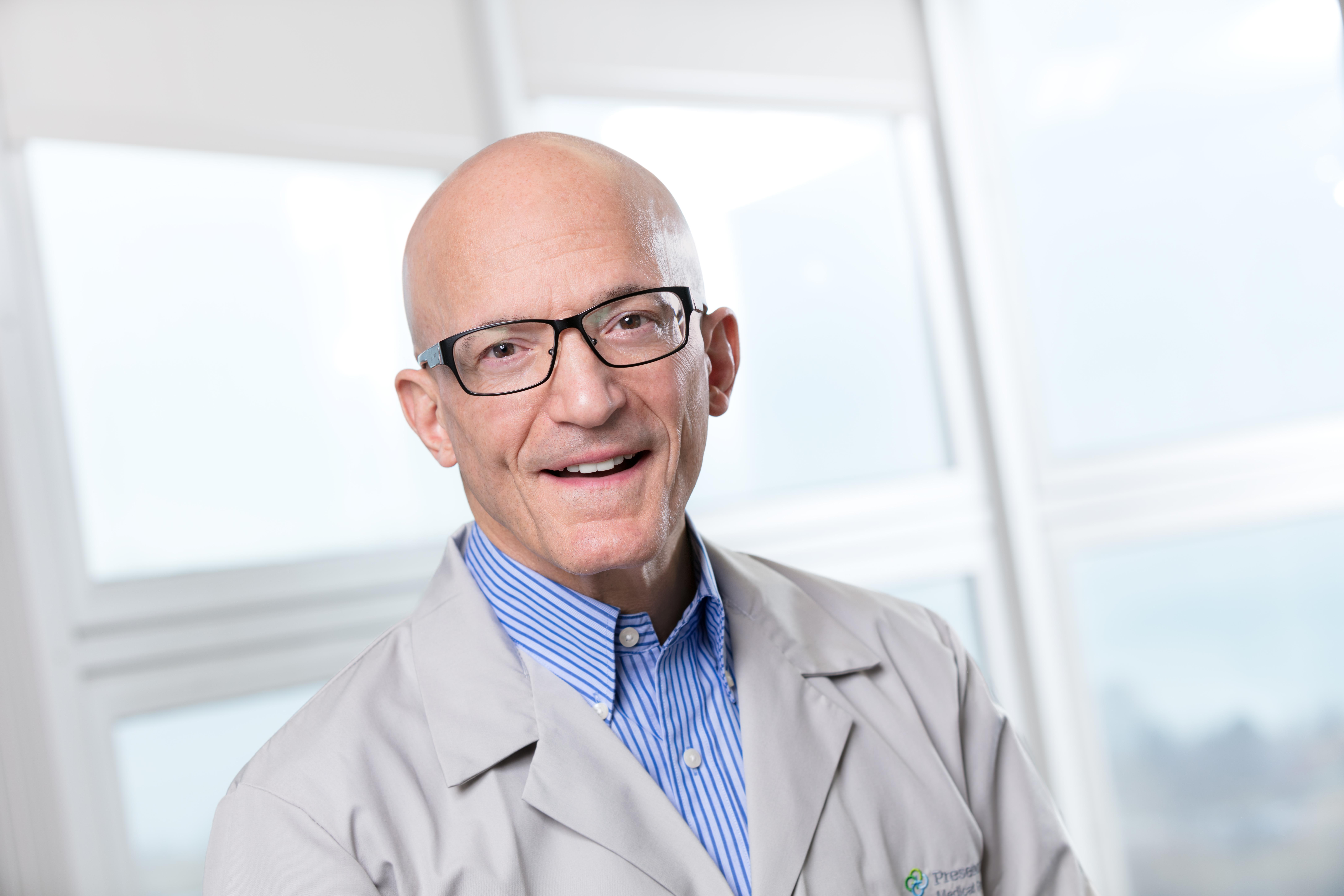 Dr. Hilliard  Slavick MD - Chicago, IL