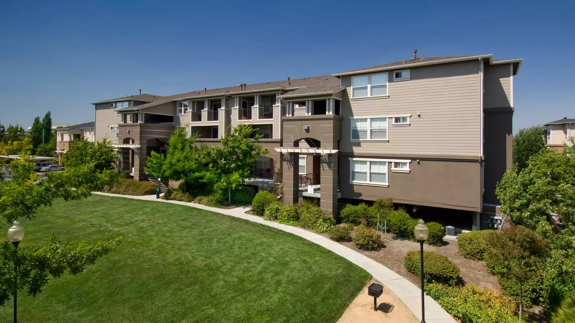 Park Hacienda Apartments - Pleasanton, CA