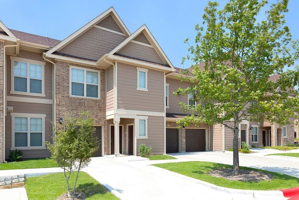 Villas at Spring Trails - Pflugerville, TX