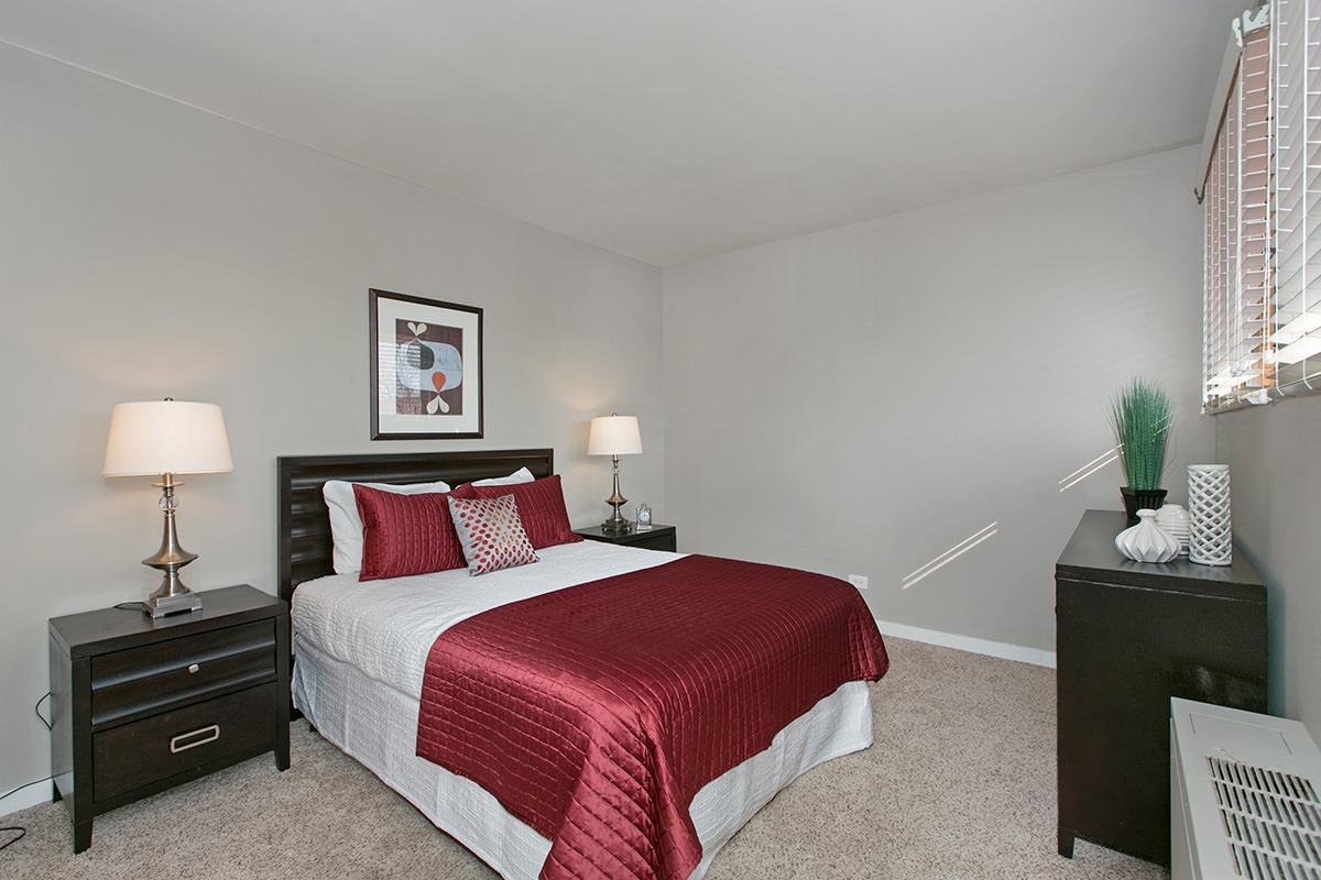 Oak Park City Apartments - Oak Park, IL