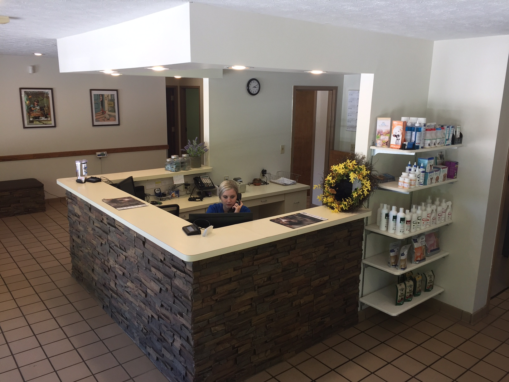 Elk Valley Veterinary Hospital - Elkview, WV