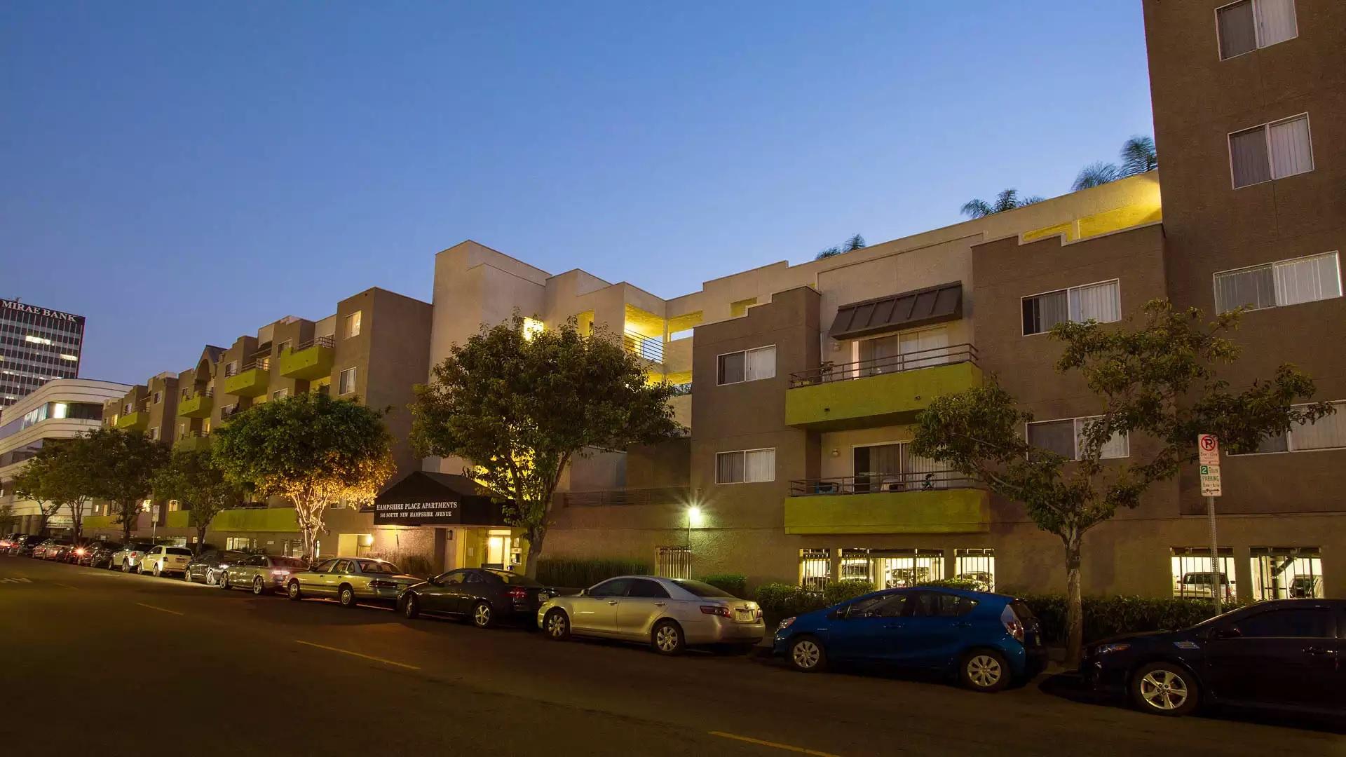 Hampshire Place Apartments - Los Angeles, CA