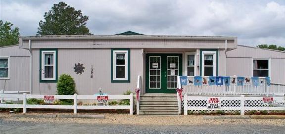 Holly Ridge Manor Canine Country Club - Virginia Beach, VA