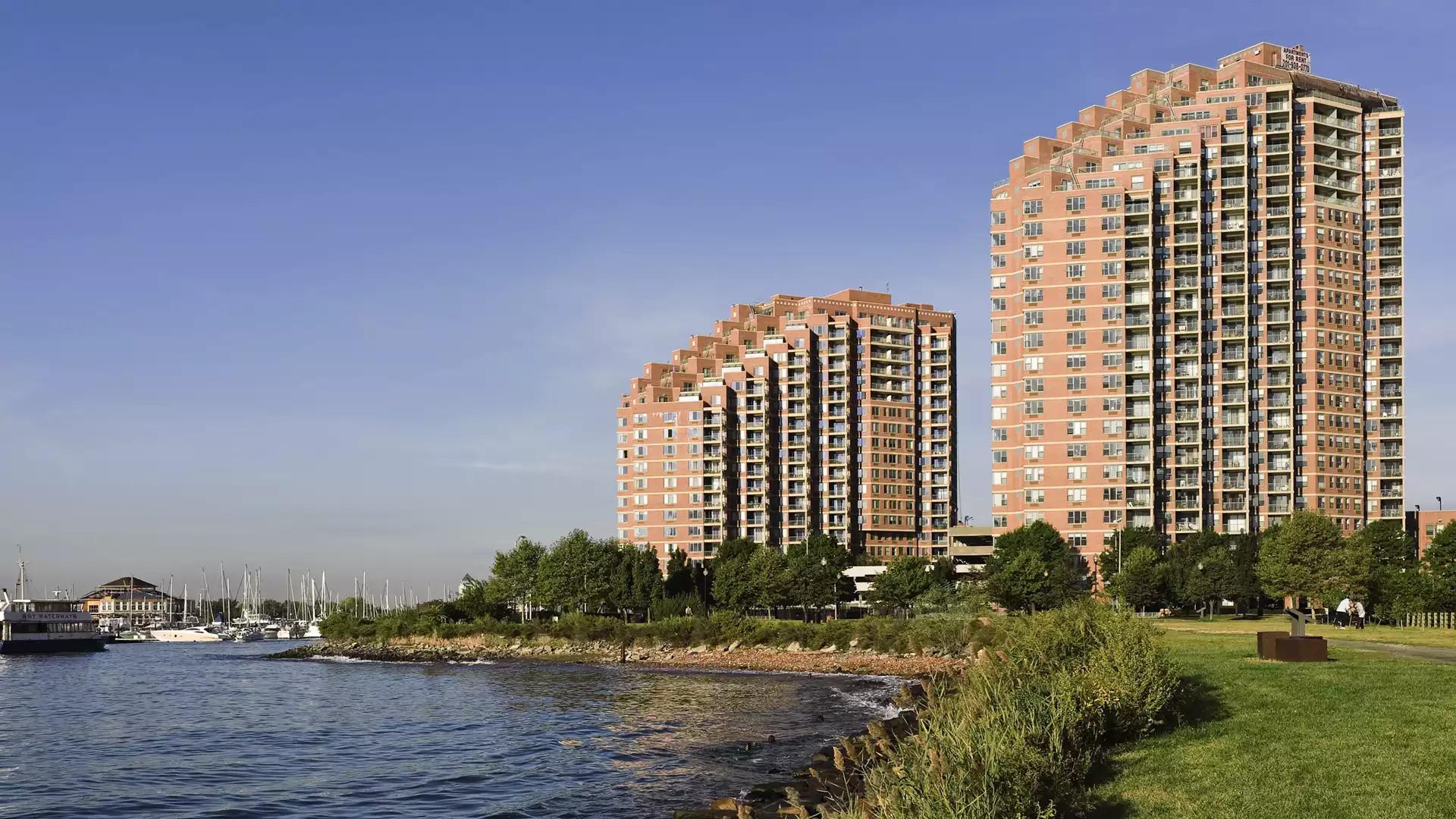 Portside Towers Apartments - Jersey City, NJ