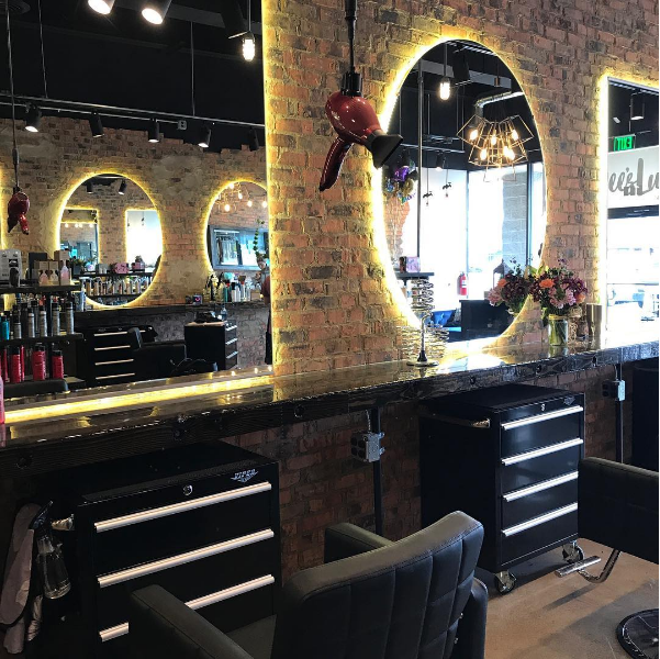 Dee's Luxe Beauty Spot - Youngstown, OH