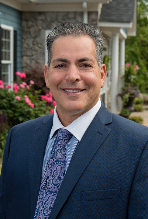 Champagne Smiles: Richard Champagne, DMD - Morganville, NJ