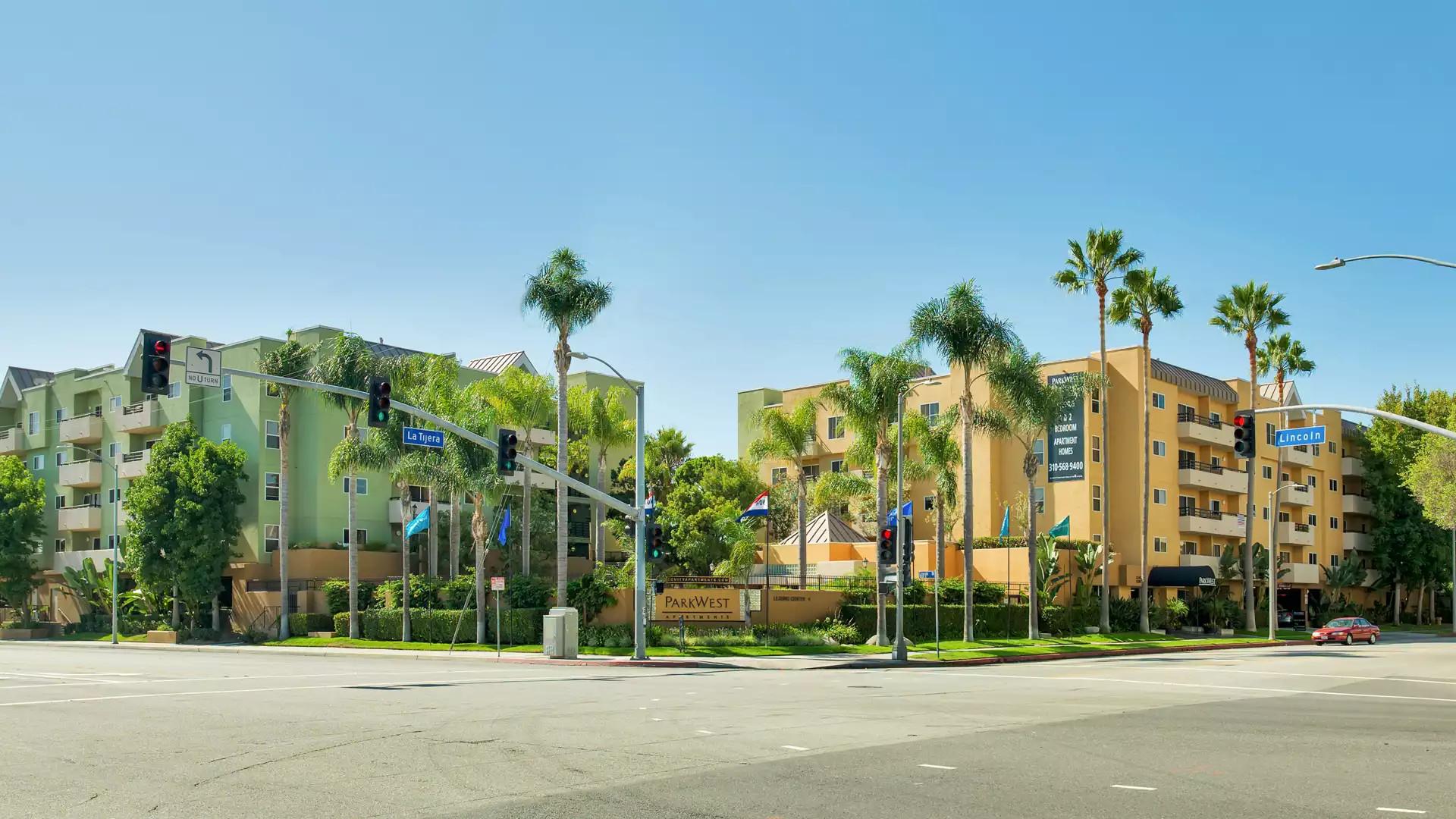 Park West Apartments - Los Angeles, CA