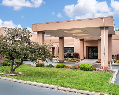 Clarion Hotel Buffalo Airport - CLOSED - Buffalo, NY
