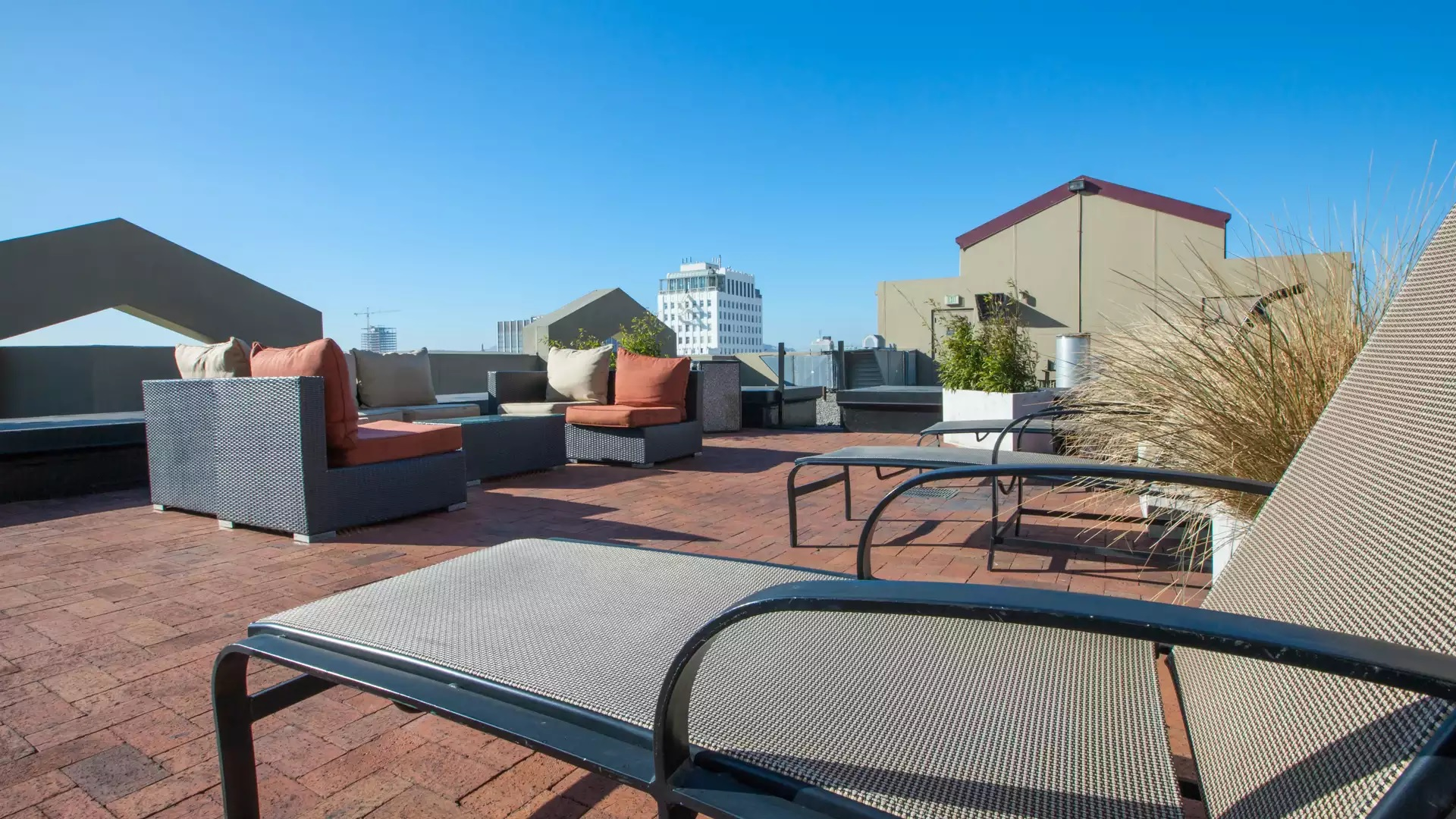 Geary Courtyard Apartments - San Francisco, CA