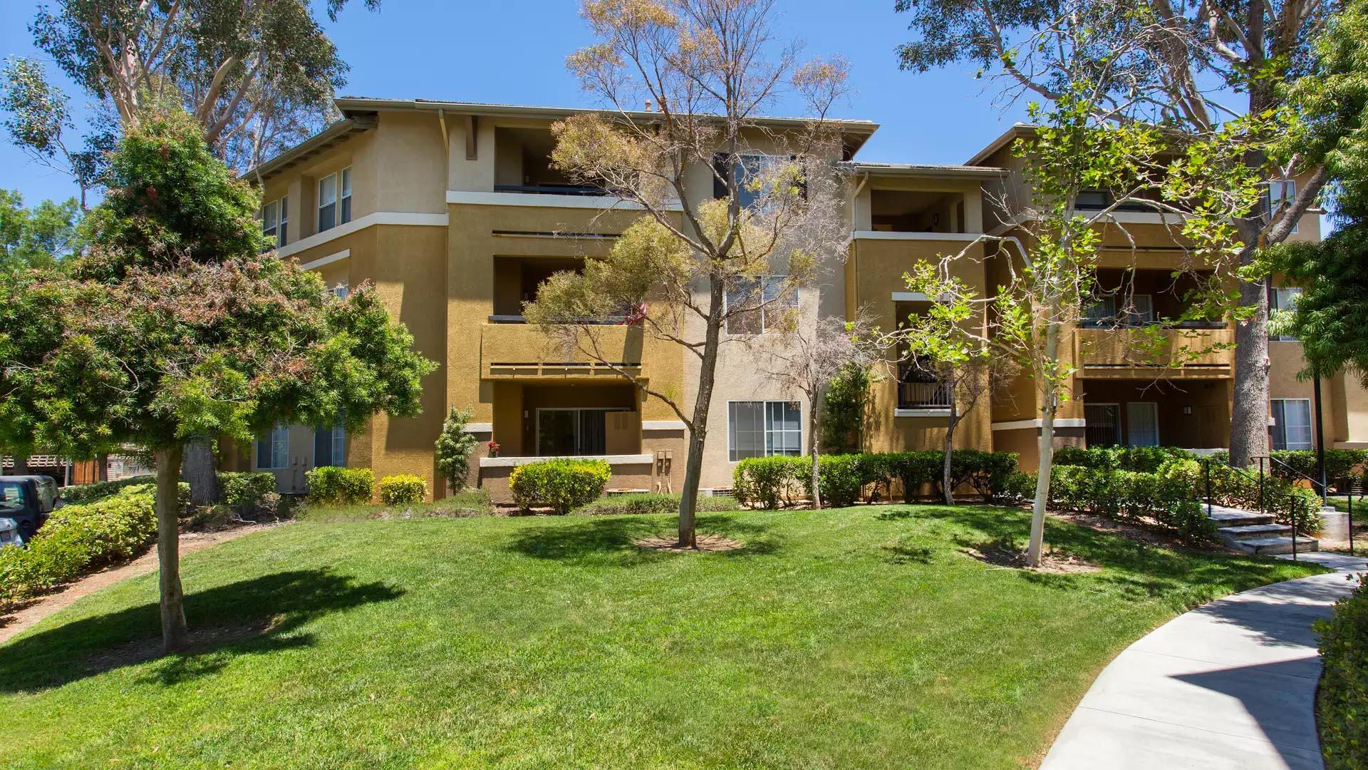 Skycrest Apartments - Valencia, CA