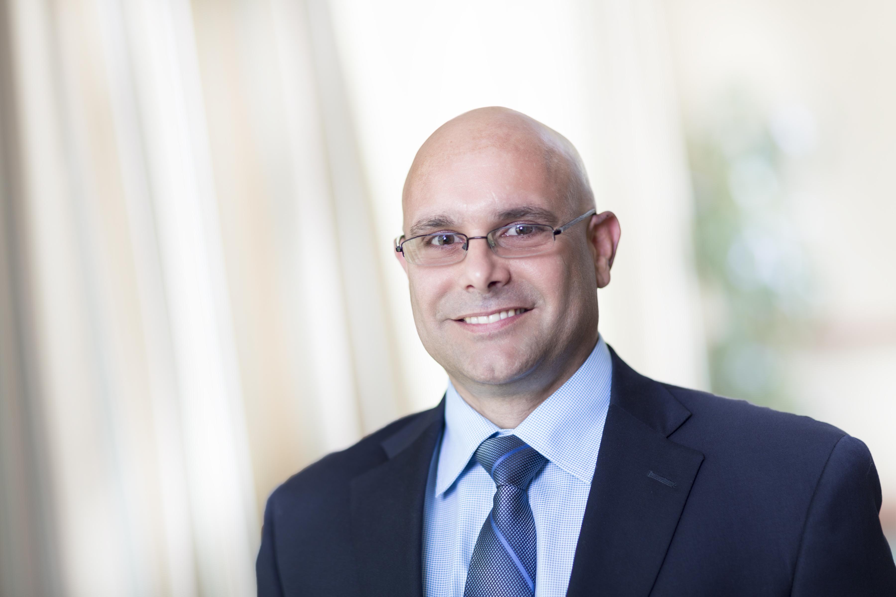 Dr. Eduardo Cabrera MD - Chicago, IL