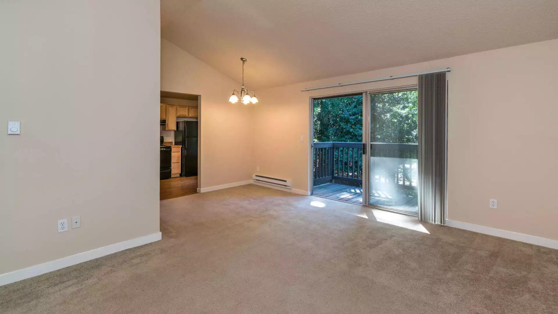 Redmond Court Apartments - Bellevue, WA