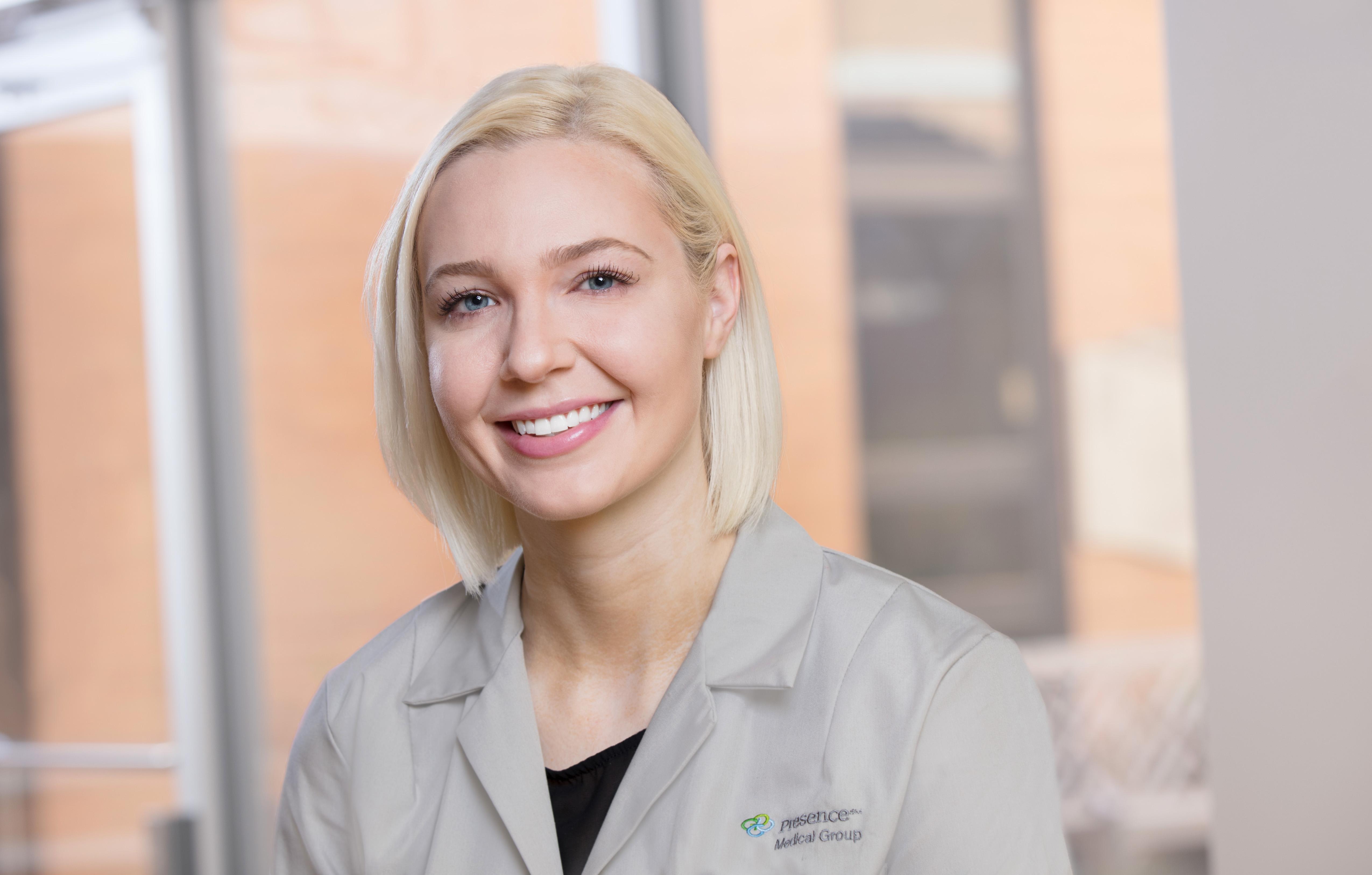 Dr. Emily Pascual APN - Algonquin, IL