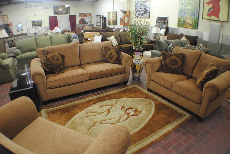 Ron Pimental Furniture Store Liquidations Schwenksville Pa 19473