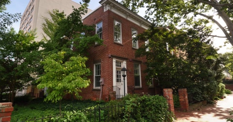 6077 A typical daytime establishing shot of Washington row houses or apartment buildings.
