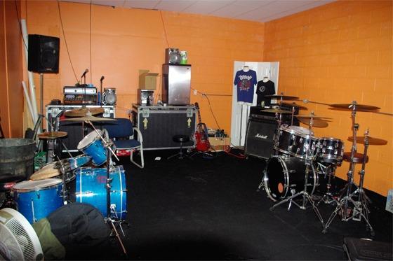 10-22-09-newroom2.slide