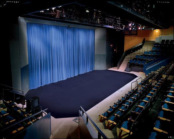 Theatre_2.slide