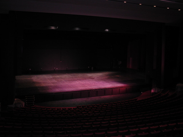 2_empty_stage.slide