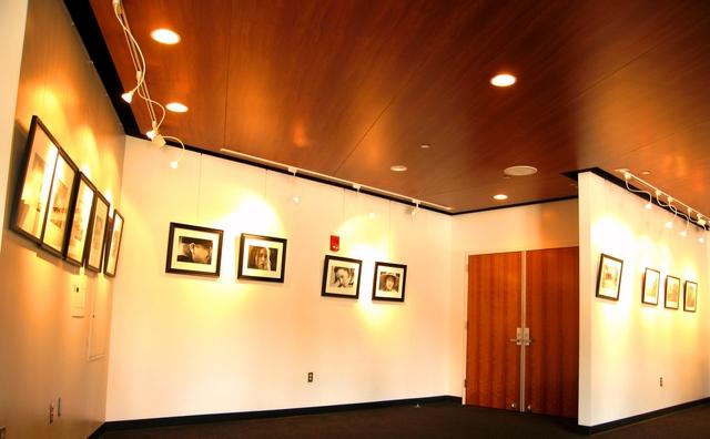 Gallery_lobby.slide