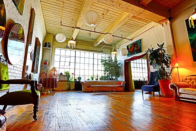 South_studio_right_sliding_doors_open_to_west_studio__loft404_copy.slide
