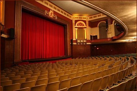 Theatre.house.slide