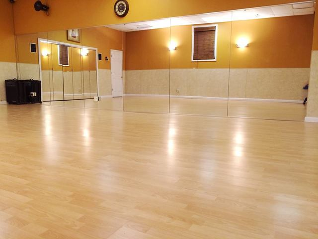 Bollyarts_dance_studio__2.slide