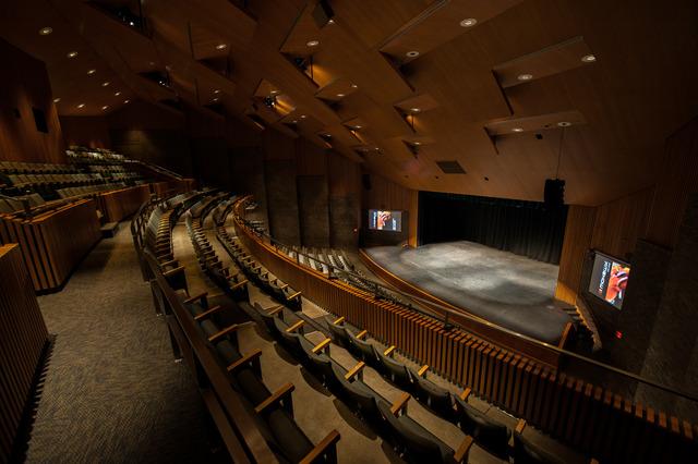 Theater2013-032.slide